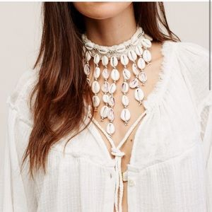 Free People Shell Necklace - NWT 🐚